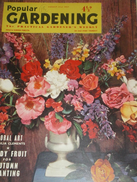POPULAR GARDENING magazine, August 31 1957 issue for sale. Original BRITISH publication from Tilley,