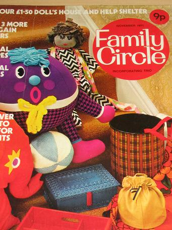 FAMILY CIRCLE magazine, November 1971 issue for sale. Original gifts from Tilleys, Chesterfield, Der